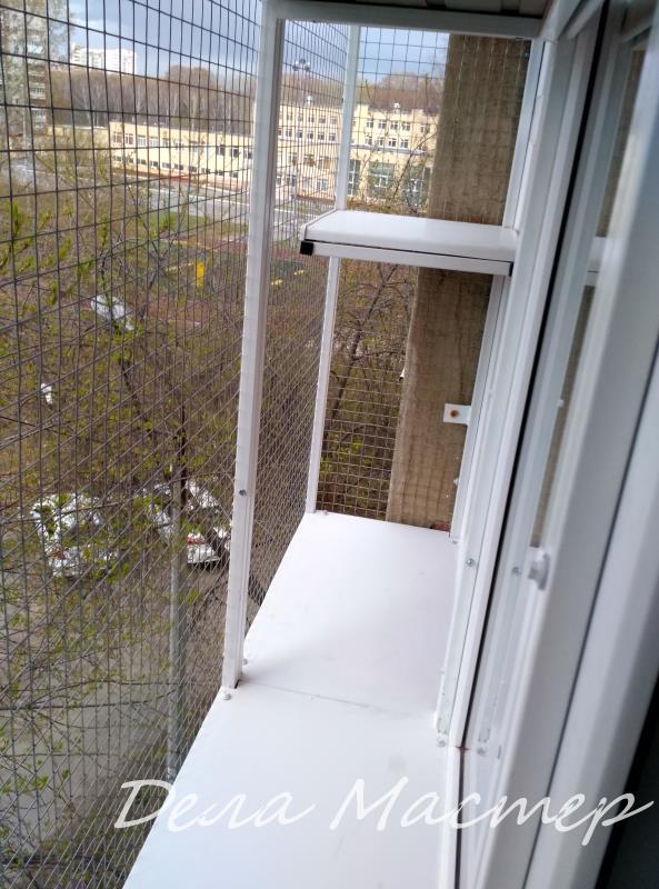 Вольер для кошки на все окно
